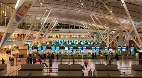 DA to take Home Affairs to task over Cape Town airport