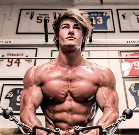 Greek God Muscle: The Aesthetic Bodybuilding Physique