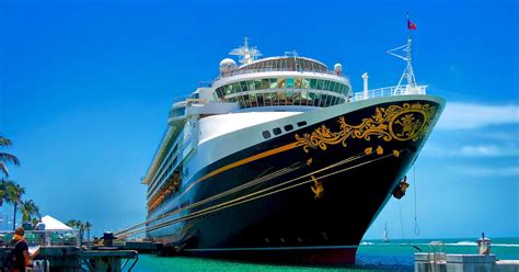 What It's Like To Work On A Cruise Ship: Insane Hours