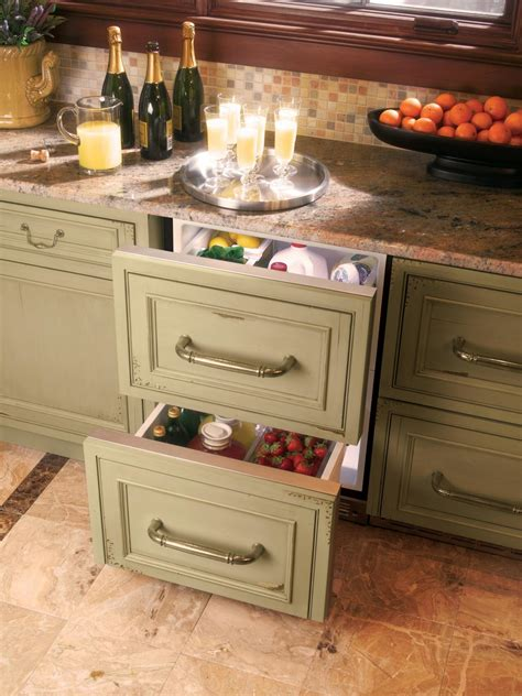 U-Shaped Kitchen With Peninsula: HGTV Pictures & Ideas | HGTV