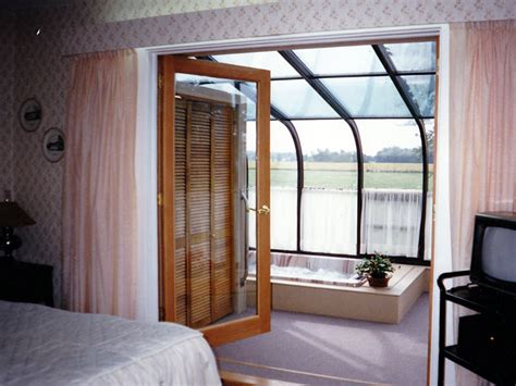 Four Seasons Sunrooms » of Northwest Indiana   Spa and