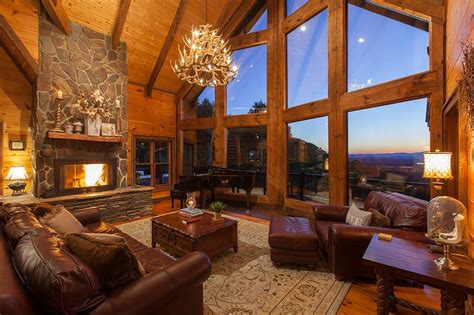 Royal Mountain Lodge UPDATED 2020: 5 Bedroom Cabin in Blue
