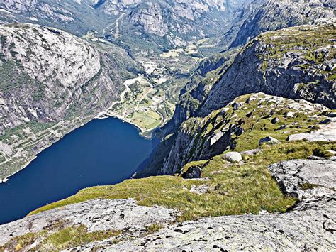 Climbing Lysebotn, Norway by bike - cycling data and info